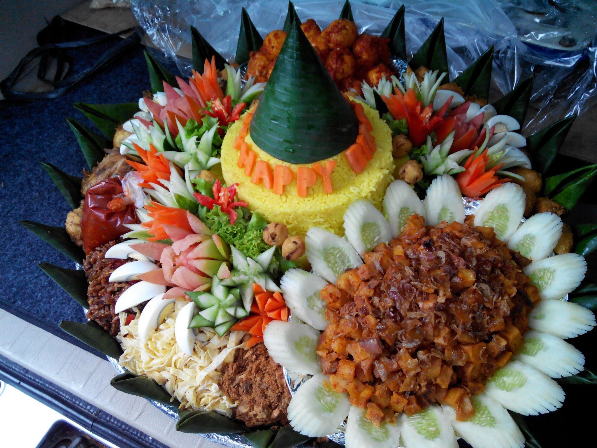 Pesanan Nasi Tumpeng Ibu Novita di Cempaka Putih, Jakarta Pusat
