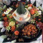 Nasi Tumpeng Putih Susun Pesanan Ibu Nia di Jatimelati , Bekasi
